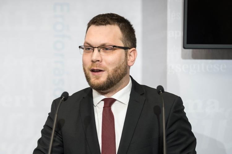 Schanda Tamás: Népszerű az online nyelvvizsga   kdnp.hu